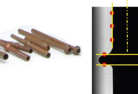 Medição óptica 2D em linha para controle dimensional de peças seriadas