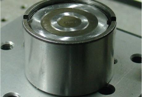 Medição da planeza e perfil em superfície de tucho de válvula automotiva